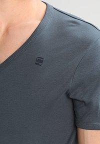 G-Star - BASE V T S/S SLIM FIT 2 PACK - T-shirts basic - dark slate - 4