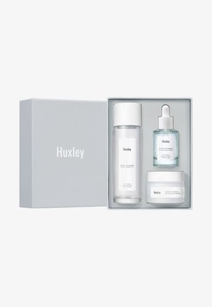HYDRATION TRIO SET - Skincare set - -