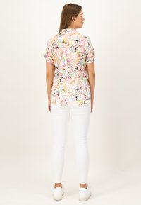 JUST WHITE - Button-down blouse - offwhite druck - 2