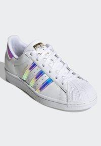 adidas Originals - SUPERSTAR - Baskets basses - ftwwht goldmt cblack - 3