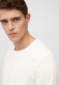 Marc O'Polo - Long sleeved top - egg white - 4
