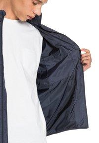 Quiksilver - SCALY  - Winter jacket - parisian night - 4