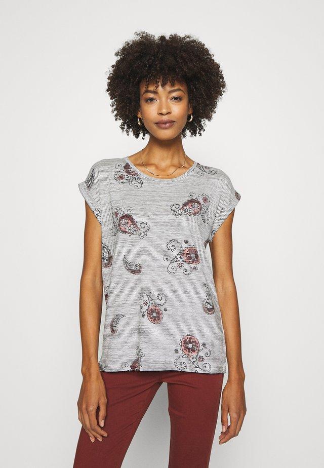 SC-GALINA 2 - T-shirt imprimé - dark earth combi