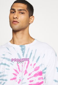 Primitive - STARWATCHER WASHED TEE - Long sleeved top - white - 3