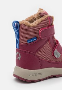 Finkid - LAPPI UNISEX - Winter boots - rose/beet red - 5