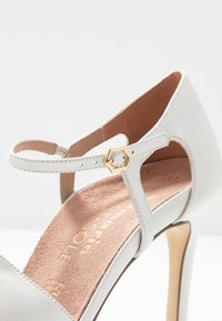 Tamaris Heart & Sole - Lodičky na vysokém podpatku - white pearl - 2