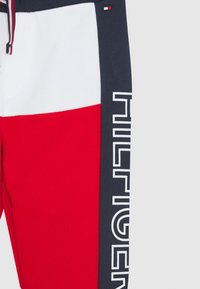 Tommy Hilfiger - BABY COLORBLOCK - Trousers - blue - 3