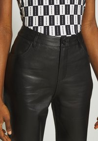 Freaky Nation - PANTS - Leather trousers - black - 4