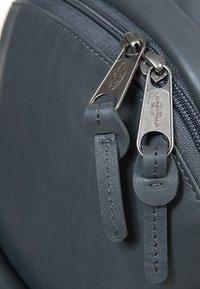 Eastpak - PADDED PAK'R  - Tagesrucksack - steel leather - 3