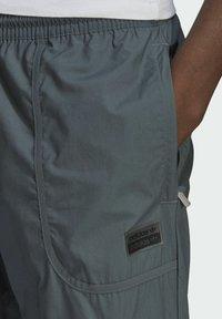 adidas Originals - Cargo trousers - grey - 3
