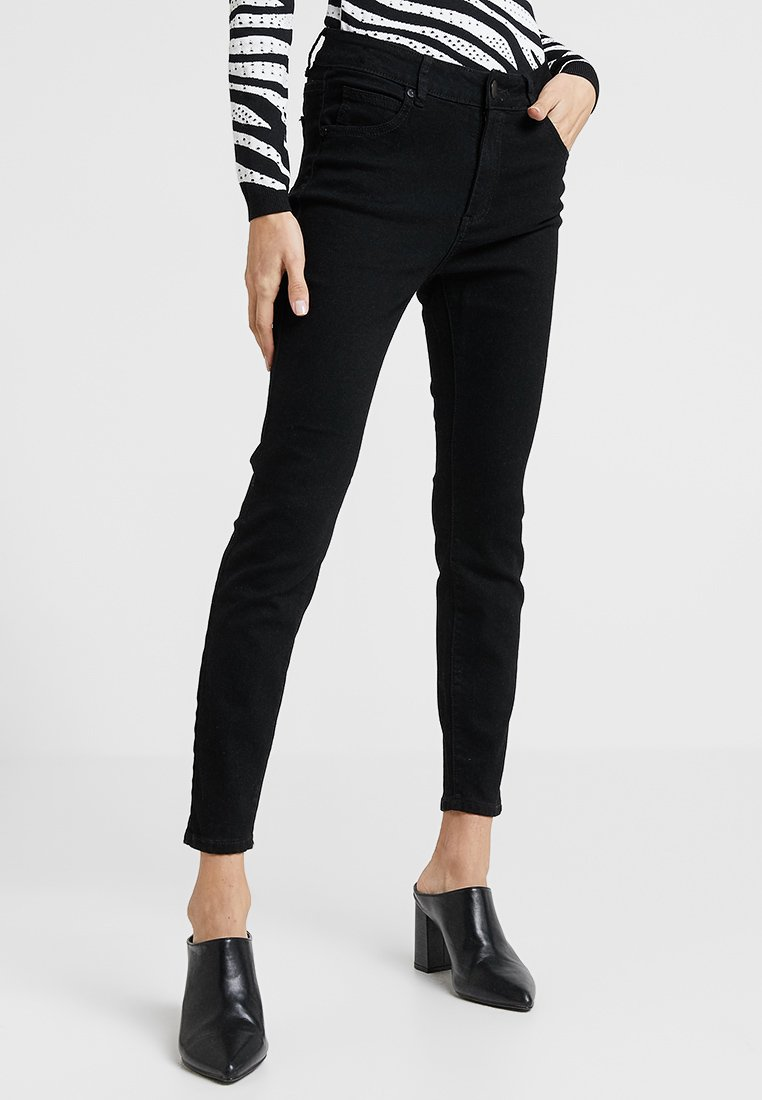 Cotton On - MID RISE GRAZER  - Jeans Skinny Fit - core black
