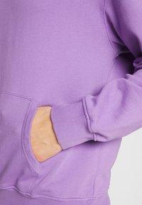 WAWWA - UNISEX ANGLO HOODIE - Bluza z kapturem - lilac - 5