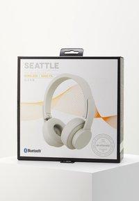 Urbanista - SEATTLE BLUETOOTH - Headphones - fluffy white - 4