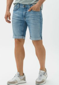 BRAX - STYLE CHRIS B - Denim shorts - vintage blue used - 0