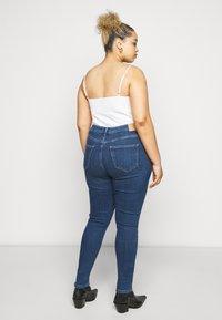 Vero Moda Curve - VMSOPHIA - Jeans Skinny Fit - dark blue denim - 2
