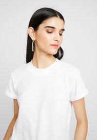 ONLY - ONLCRUZ TEE BOX 2 PACK  - Basic T-shirt - black/white - 5