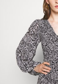 MICHAEL Michael Kors - BICOLOR DRESS - Maxi dress - black/white - 6