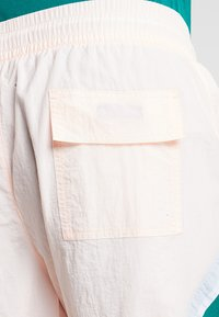 Jordan - DIAMOND POOLSIDE  - Shorts - crimson tint/mystic green/white - 3