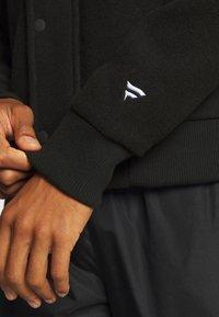 Fanatics - NFL OAKLAND RAIDERS TRUE CLASSICS LETTERMAN JACKET - Klubové oblečení - black - 6
