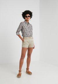 J.CREW - Shorts - khaki - 1