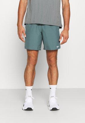 CHALLENGER SHORT  - Pantalón corto de deporte - hasta