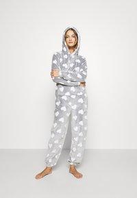 Loungeable - HEART LUXURY HOODED ONESIE - Pyjama - grey - 1