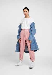 Homeboy - BAGGY - Trousers - rose - 1
