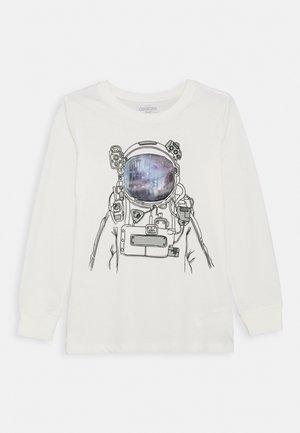 SET IN TEE - Camiseta de manga larga - white