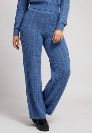 STRICKHOSE ZOPFMUSTER - Pantaloni - blau