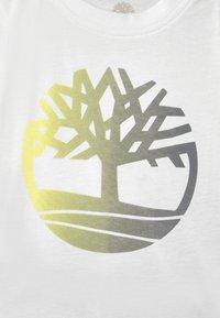 Timberland - SET - Print T-shirt - white/grey - 3