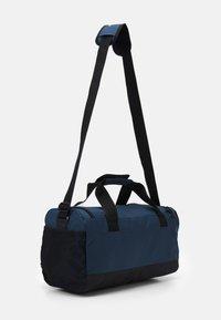 adidas Performance - LINEAR DUFFEL S UNISEX - Treningsbag - crew navy/black/white - 1