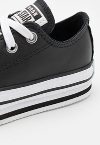 Converse - CHUCK TAYLOR ALL STAR PLATFORM - Baskets basses - black/white - 5