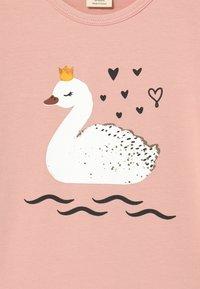 Walkiddy - PRINCESS SWANS 2 PACK - T-shirt print - pink - 3