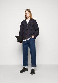 Henrik Vibskov - REPEAT PANTS - Relaxed fit -farkut - blue - 1