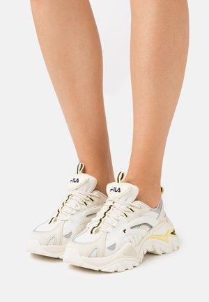 ELECTROVE  - Sneaker low - marshmallow