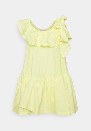 RUFFLED NECKLINE TENT DRESS - Koktejlové šaty/ šaty na párty - pale yellow