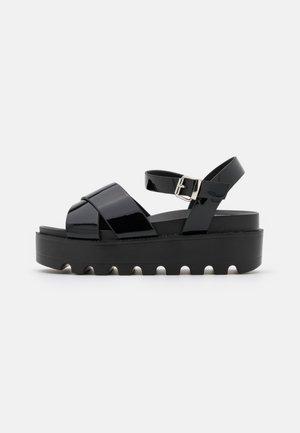 VEGAN ZINA - Sandalen met plateauzool - black