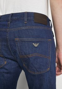 Emporio Armani - POCKETS PANT - Jeans slim fit - dark blue - 4