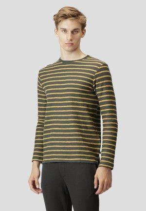 RICHARD - Sweater - army/pale orange