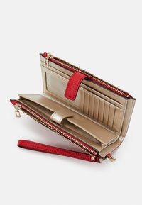 Guess - KIRBY ZIP ORGANIZER - Lommebok - red - 3
