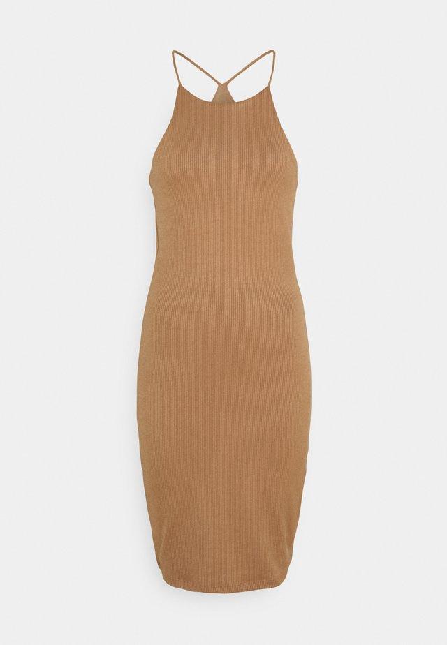 SERENA DRESS - Sukienka dzianinowa - amphora