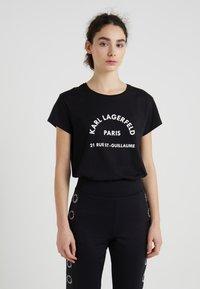 KARL LAGERFELD - ADDRESS TEE - Print T-shirt - black - 0