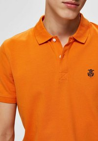 Selected Homme - SLHARO EMBROIDERY - Polo shirt - russet orange - 4