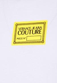 Versace Jeans Couture - Print T-shirt - bianco ottico - 9