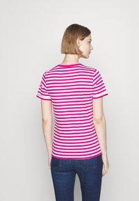 HUGO - THE SLIM TEE - Print T-shirt - bright pink - 2