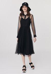 Twist - Cocktail dress / Party dress - black - 0