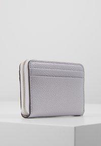 MICHAEL Michael Kors - MOTTZA COIN CARD CASE - Wallet - lavender mist - 3