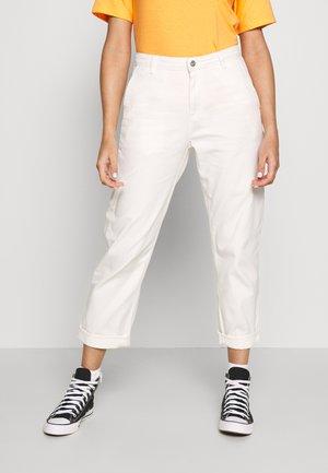 PIERCE PANT - Pantaloni - wax