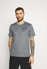 Nike Performance - DRY  - T-shirt basic - black/smoke grey/heather/black - 0