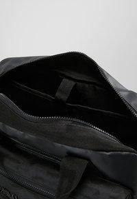 Superdry - FREELOADER LAPTOP BAG - Taška na laptop - black - 4